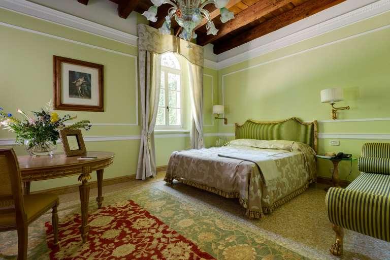 Zimmer Elegance mit Hydromassage
